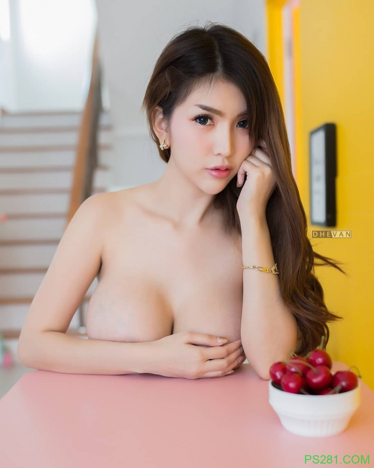 【6upoker】泰国直播美女Alisa Rattanachawangkul 泰妹性感照片骆驼蹄好大